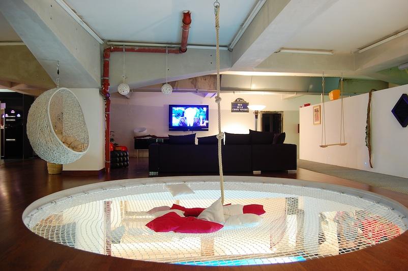 le loft galerie des tribus contemporaines abc salles. Black Bedroom Furniture Sets. Home Design Ideas