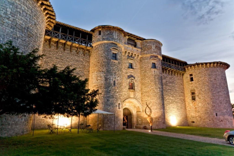 Couvrir Une Cour Intérieure château de mauriac - abc salles