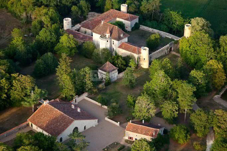 Le Château des Ombrais