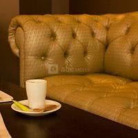 Café sur canapé