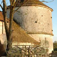 Ferme de la haute maison - sa tour de guet du 14ème siècle (détail)