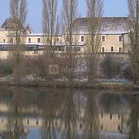 Chateau vue de la rivière
