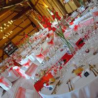 La grande salle décor rouge et blanc