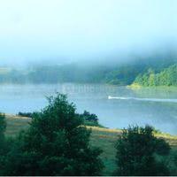 Vue sur le lac dopuis le parc un dimanche matin de juin 2008