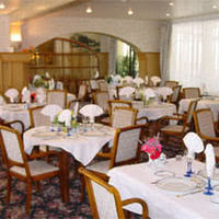 Salle de restaurant pour 120 personnes