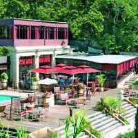 Restaurant, la folie, terrasse en bord de piscine