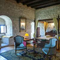 Vaste Chambre Charles IX au Chateau de Goudourville