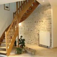 Escalier vers salles étage