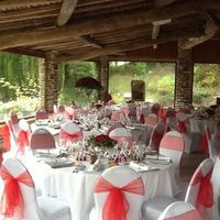 Les greniers du Domaine-mariage tout en rouge