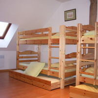 Vue d'un lit superposé dans dortoir