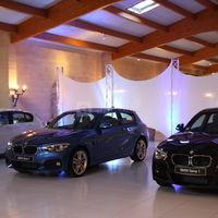 Salle Floréal, exposition de véhicules