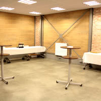 Salle adjacente 50 m² version restauration 50 pers debout