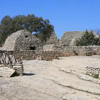 Tourisme :  village des bories