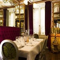 Notre Salon Orient Express - disponible pour des groupes de 2 à 6 personnes