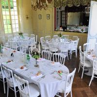 Salon d'honneur et table des mariés