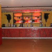 Salle de spectacle, bar