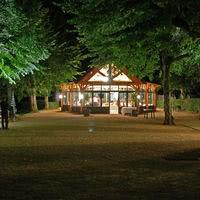 Le kiosque à musique la nuit