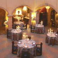 Diner dans la Grande Cour : crédits photos / G. Picout, MPM, A. Rico, ME Brouet & DR