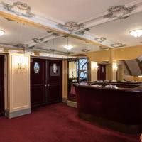 Foyer-Mezzanine 01