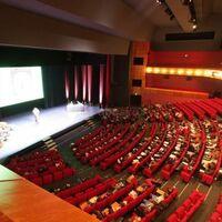 Amphi théâtre 814 places