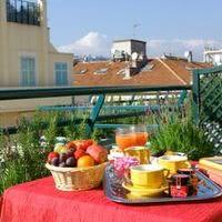 Petit-déjeuner en terrasse-chambre executive