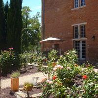 Terrasse de la roseraie