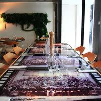 La table d'hôte et le mur végétal