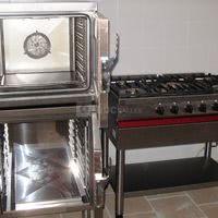 Cuisine : four, étuve, piano gaz