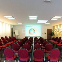 Salle des séminaires : réunion de travail
