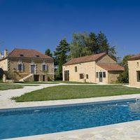 Piscine et villa Pech'Mej