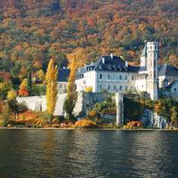 L'abbaye d'hautecombe couleurs d'automne