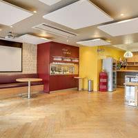 Salle Bar à Vins avec écran et vidéoprojecteur