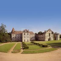 Château, cloître et abbatiale