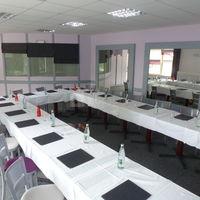 Salle de réunion en u