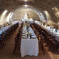 Déjeuner dans la salle du Caveau