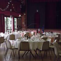 Salle dullin - prête pour un repas