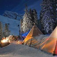 Eco tentipis party à la montagne, raquettes & cheminée