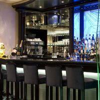 Le bar du salon