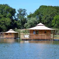 Logements insolites - cabanes flottantes