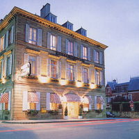 Facade hotel rue