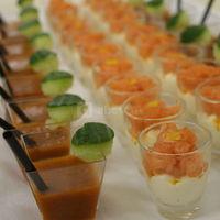 Verrines gaspacho et saumon sur crème d'asperges