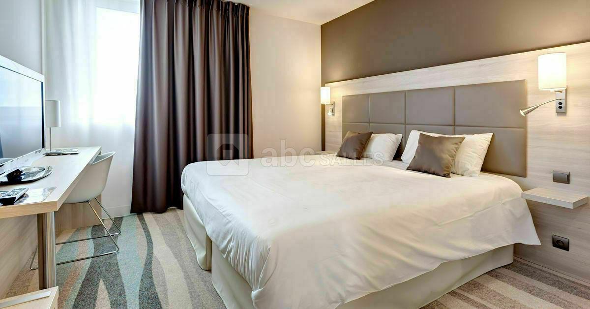 Brit Hotel Vend U00e9e Mer